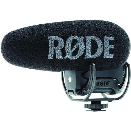 Micrófono de cañón. Se utiliza principalmente en grabaciones de cine y televisión. Permite conseguir un sonido profesional sin que el micrófono aparezca en escena. Para grabar en interiores y exteriores. Marca Rode.