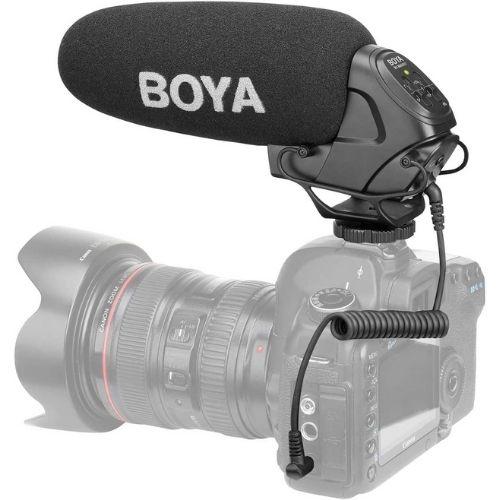Micrófono de cañón. Se utiliza principalmente en grabaciones de cine y televisión. Permite conseguir un sonido profesional sin que el micrófono aparezca en escena. Para grabar en interiores y exteriores. Marca Boya.